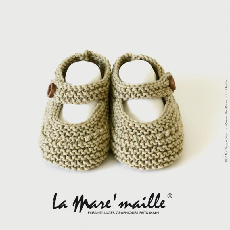 nouveau concept 25cff a2243 Chaussons bébé mixte en coton bio couleur amande tricot main en France