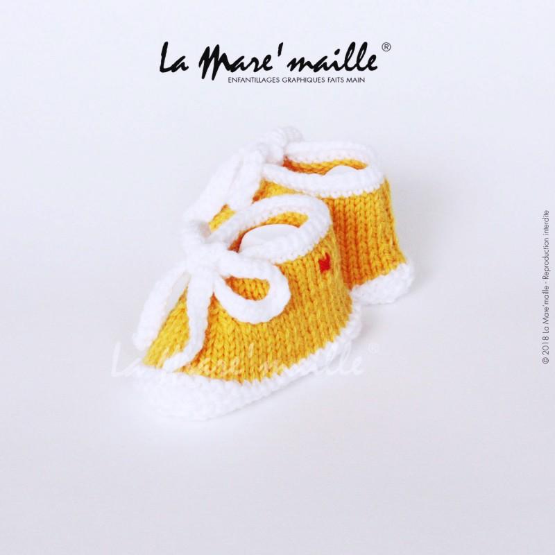 Chaussons bébé maille laine marron et blanc chinée