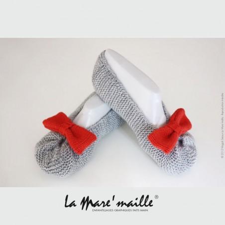 Ensemble chaussons bébé façon bottes de pluie Aigle et bonnet béguin bleu marine et blanc