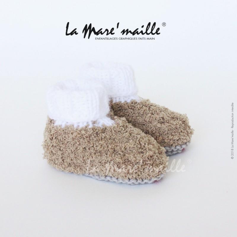 chaussures de sport 294df c8f2c Chaussons bébé laine très douce caramel et blanc tricot main 0-6 mois
