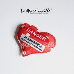 Broche coeur rouge pois...